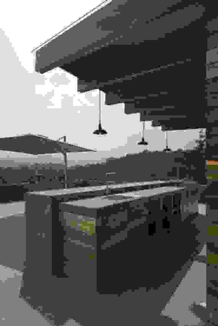 Barra Asador Roof Garden de Rhyzoma - Arquitectura y Diseño Moderno