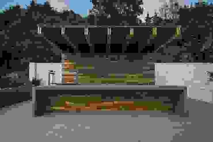 現代  by Rhyzoma - Arquitectura y Diseño, 現代風