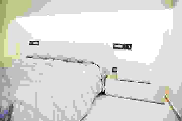 Ristrutturazione di un appartamento Camera da letto moderna di Geom. Stefano Feliziani Moderno