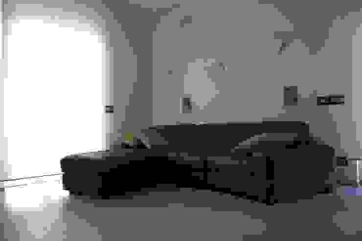 Ristrutturazione di un appartamento Soggiorno moderno di Geom. Stefano Feliziani Moderno