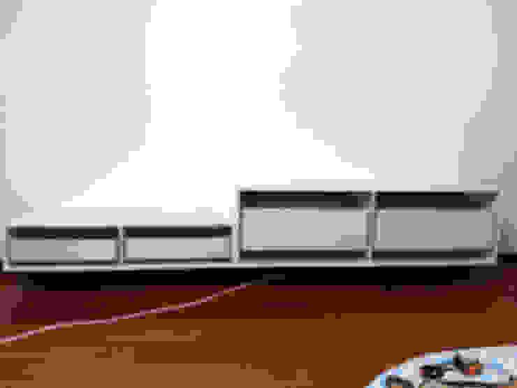 Inizio dei lavori per il montaggio dei mobili di ARREDACASAOnLine Moderno