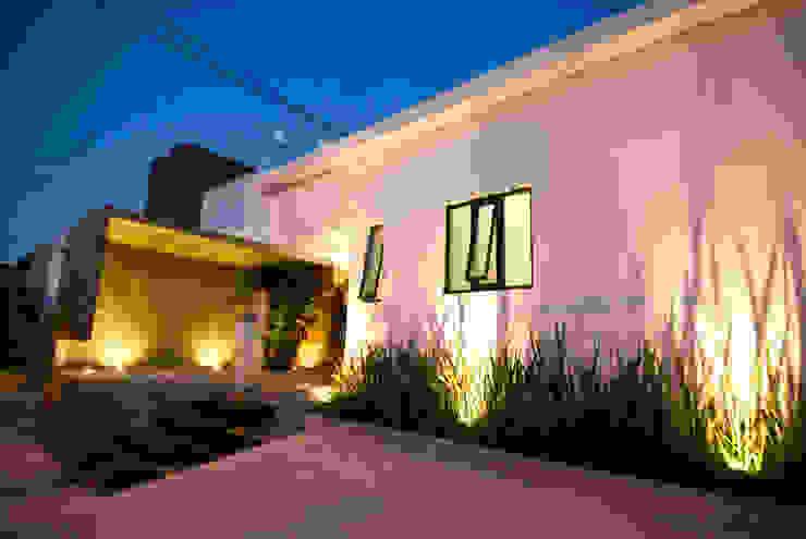 SERES CENTRO HOLÍSTICO Casas minimalistas de TAQ arquitectura Minimalista Concreto