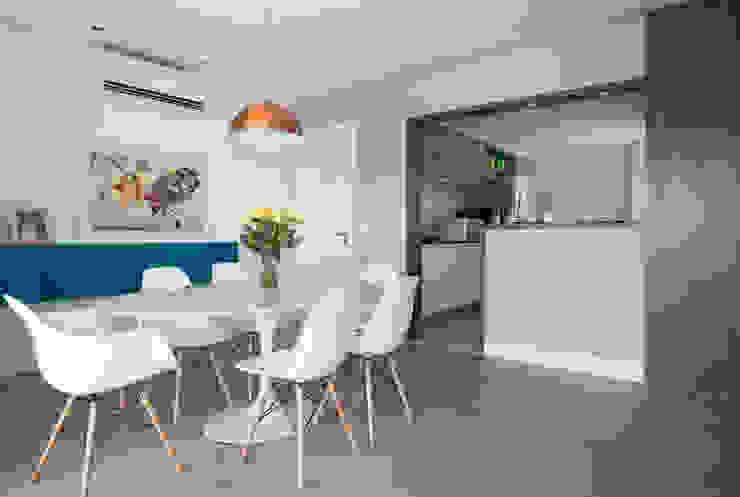 Comedores de estilo  de Decorare Studio de Arquitetura