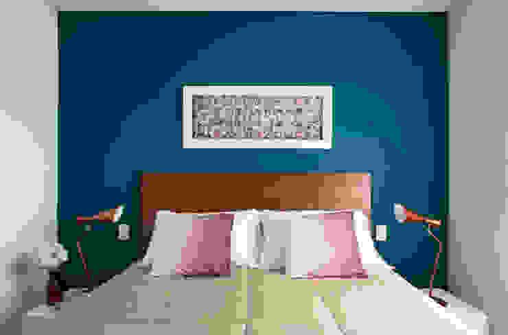 quarto do casal Quartos modernos por Decorare Studio de Arquitetura Moderno
