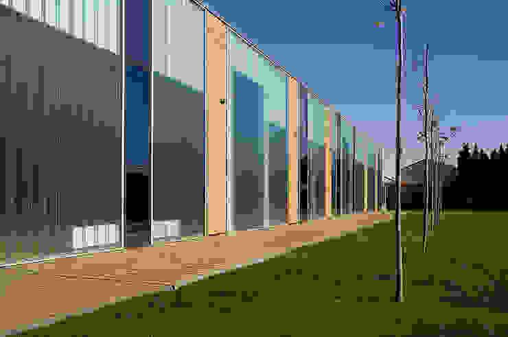 Escuela Infantil Santa Isabel Escuelas de estilo moderno de Carroquino Arquitectos Moderno