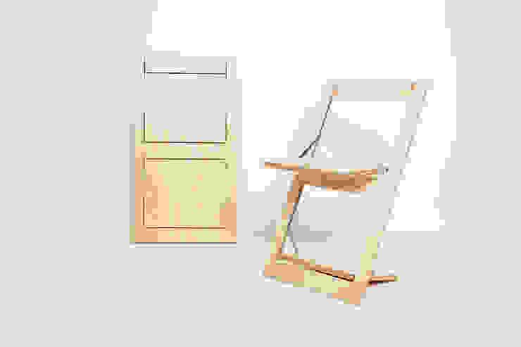 Folding Chair Fläpps – Birch de AMBIVALENZ Minimalista Contrachapado