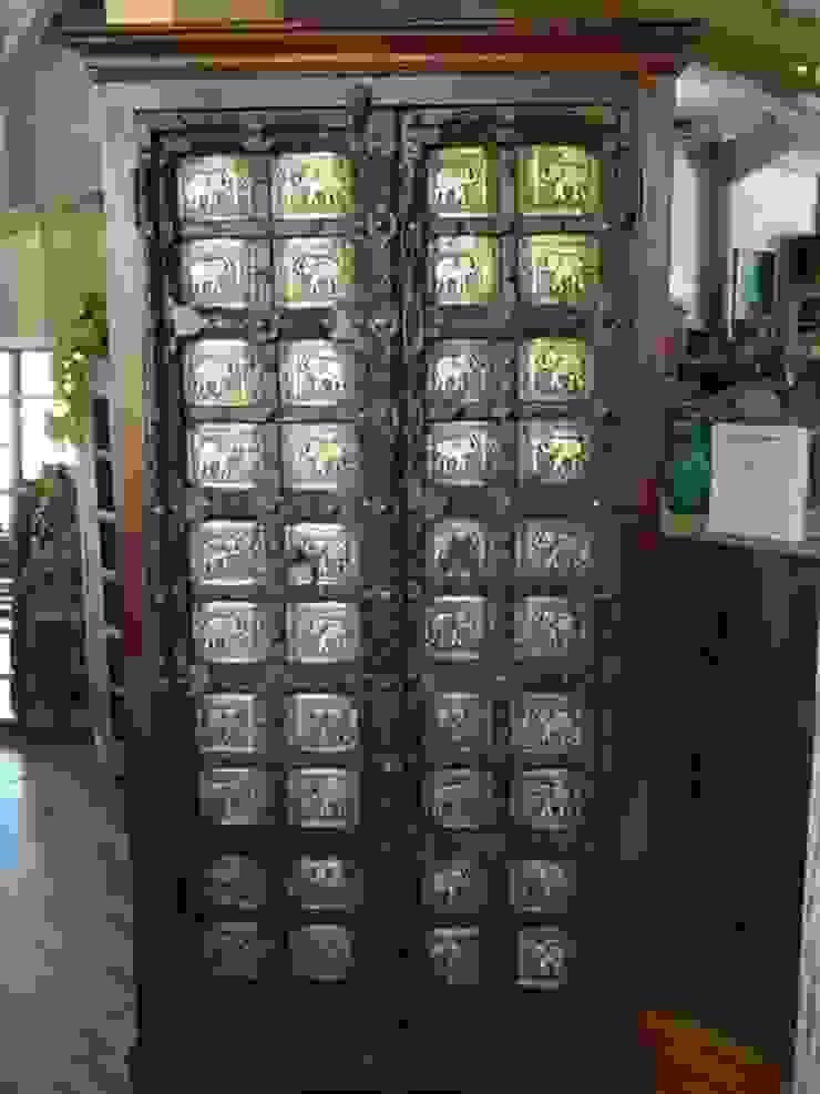 SC93086:  de estilo colonial de Salablanca furniture and Decoration, Colonial