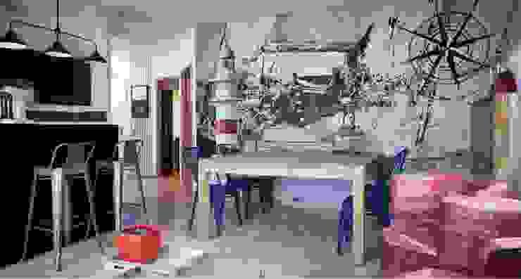 salon avec toile panoramique sur le thème marin par Soraya Deffar / Un Pretexte Moderne