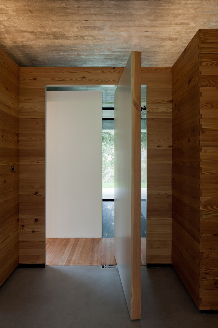 Duas casas em Monção Janelas e portas modernas por JPL Arquitecto Moderno