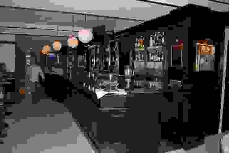 Lennox the pub Gastronomía de estilo clásico de Taller de diseño Edificacion y Urbanismo S.L. (TDEU) Clásico