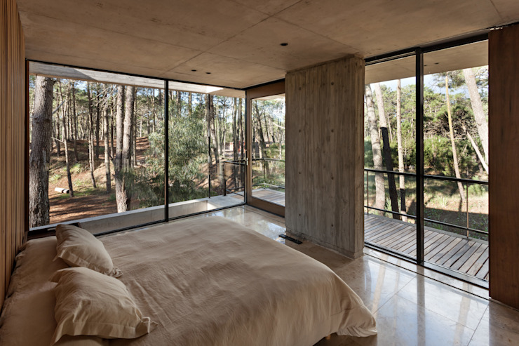 Modern style bedroom by ATV Arquitectos Modern
