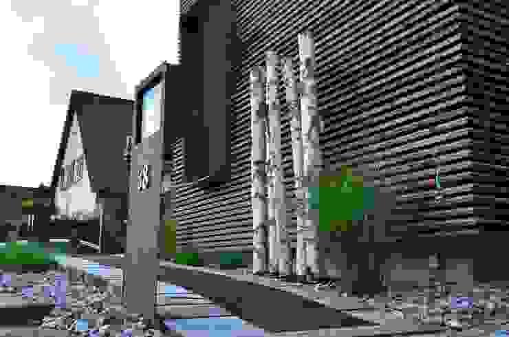 Gleisbau Zugang arché techné néos Ausgefallene Häuser von arché techné néos Ausgefallen