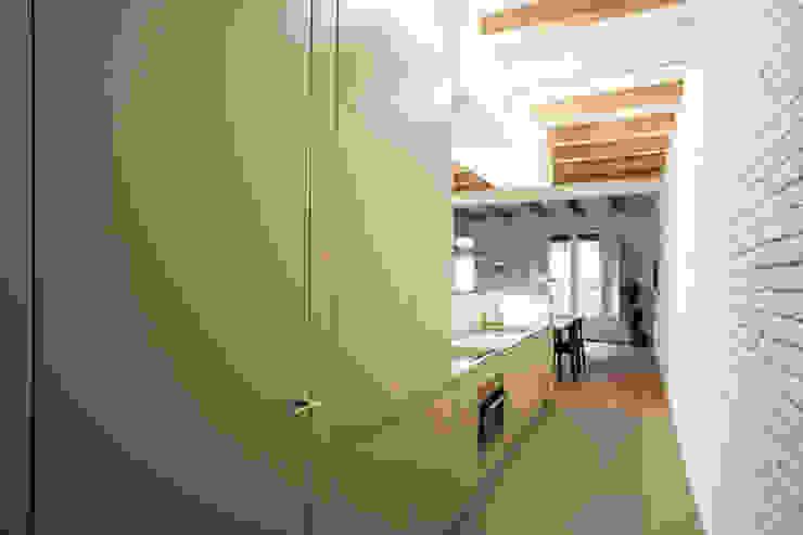 M2ARQUITECTURA Modern style kitchen