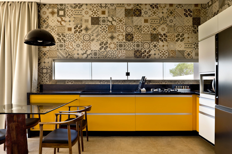 Industrial style kitchen by SAINZ arquitetura Industrial