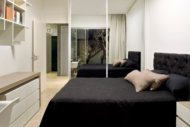 Bedroom Industrial style bedroom by SAINZ arquitetura Industrial