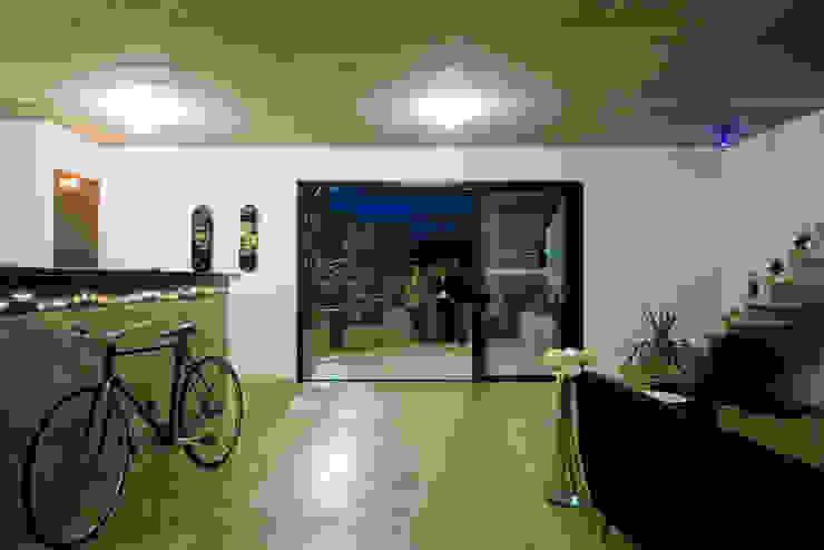 Casa Paris por Casa 14 Moderno