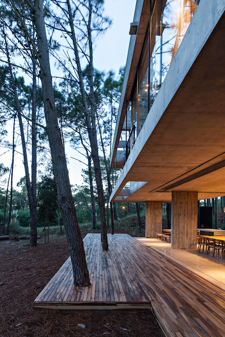 Balcones y terrazas de estilo moderno de ATV Arquitectos Moderno