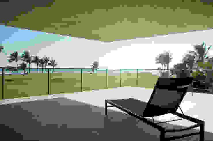 La Caracola Casa de Playa de PAUL CREMOUX studio Moderno