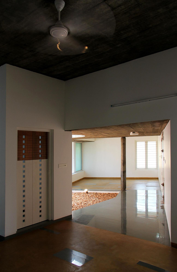 The Selfless House Modern corridor, hallway & stairs by LIJO.RENY.architects Modern