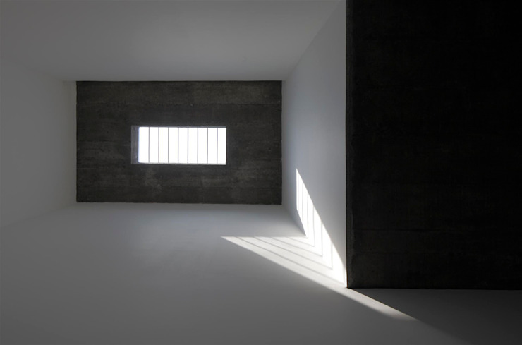 The Selfless House Modern windows & doors by LIJO.RENY.architects Modern