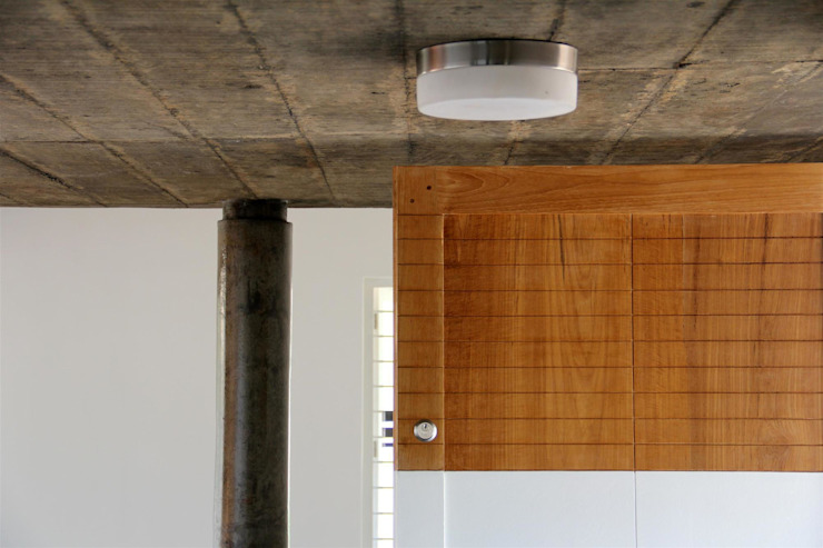 The Selfless House Modern walls & floors by LIJO.RENY.architects Modern