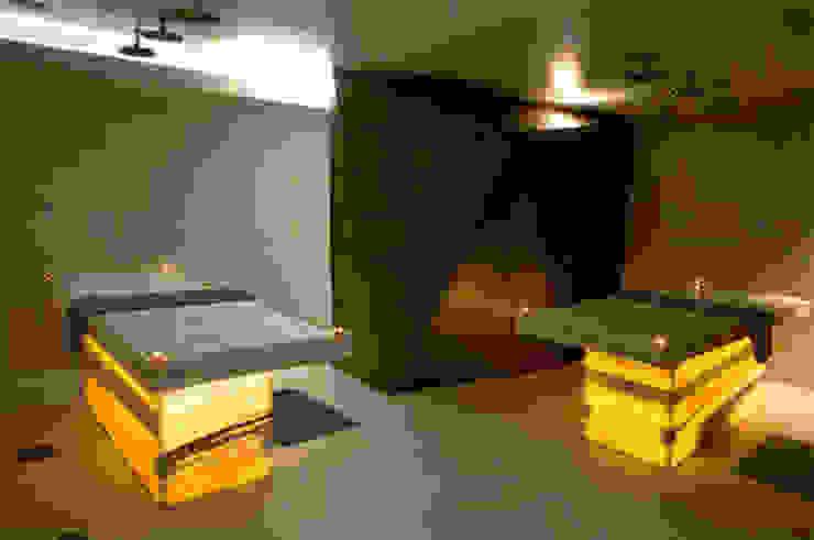 Salle de soins Espaces commerciaux modernes par Galaktik Moderne