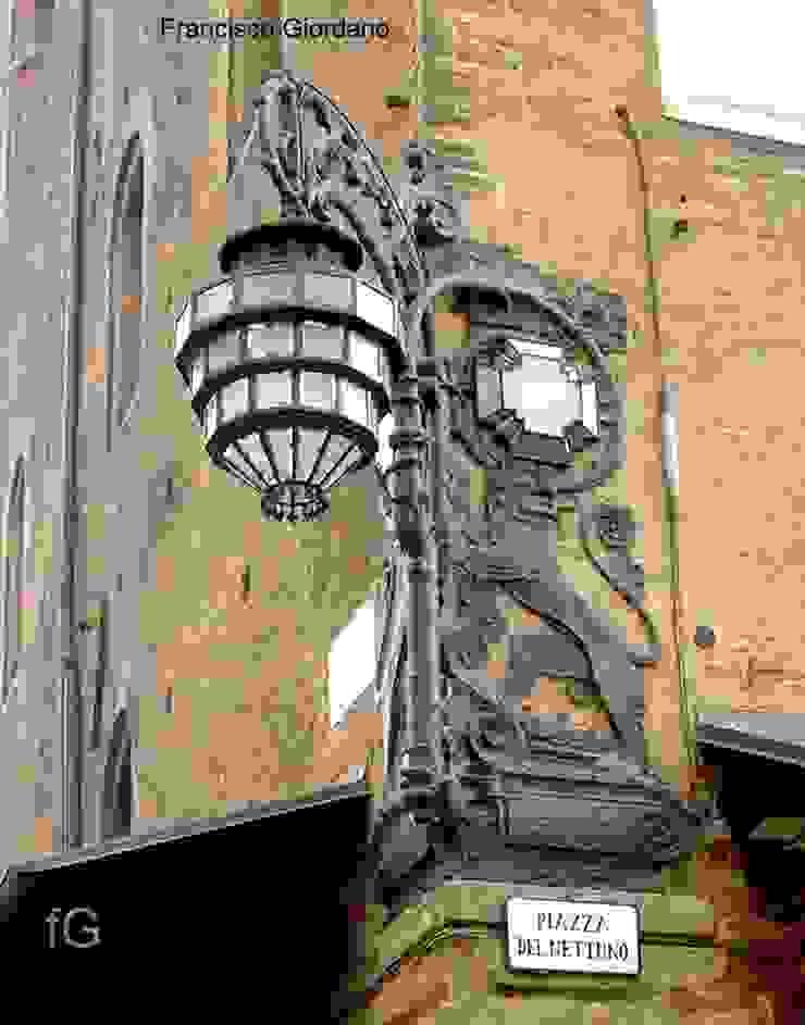 IDEAZIONE E REALIZZAZIONE RESTAURO LAMPIONE D'ANGOLO DI PALAZZO RE ENZO - BOLOGNA - VALORIZZAZIONE OPERA D'ARTE Musei in stile classico di Architetto Francisco Giordano Classico