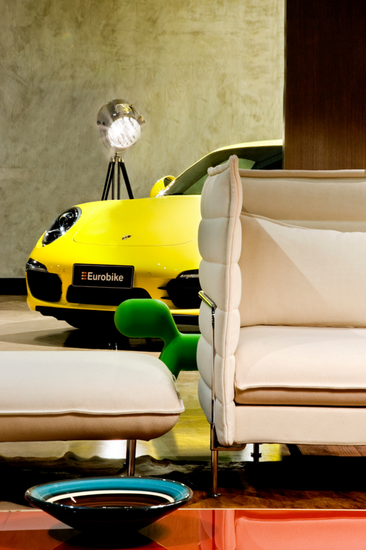 Showroom of Eurobike – Porsche Oleh SAINZ arquitetura