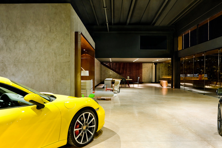 Showroom of Eurobike - Porsche Oleh SAINZ arquitetura