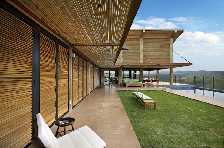 Mountain House 1 Rustic style houses by David Guerra Arquitetura e Interiores Rustic