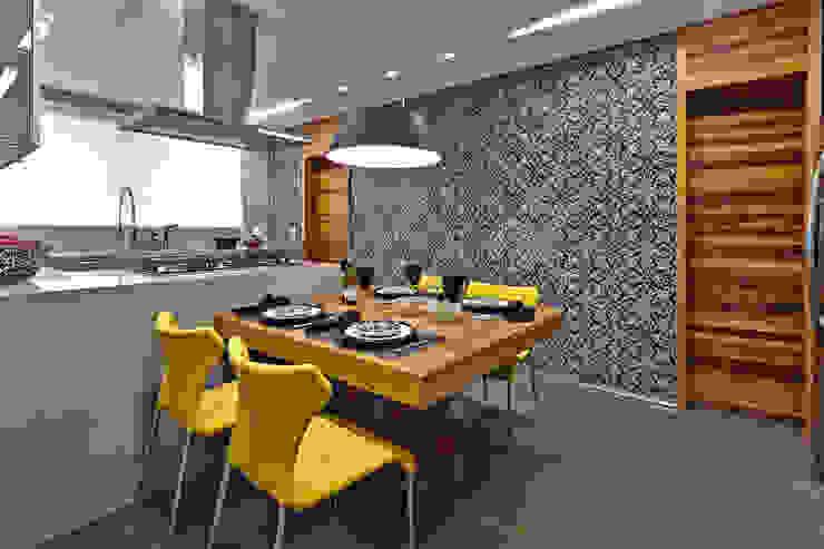 LA Apartment Modern Houses by David Guerra Arquitetura e Interiores Modern