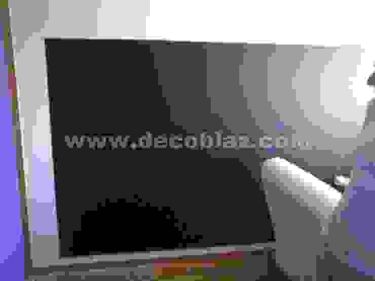 Pintura de pizarra en pared de Decoblaz, S.L. Moderno