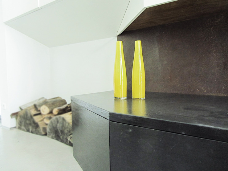 HANG#J Soggiorno in stile industriale di Margarete (Architetti Anselmi S. e Crucianelli E.) Industrial