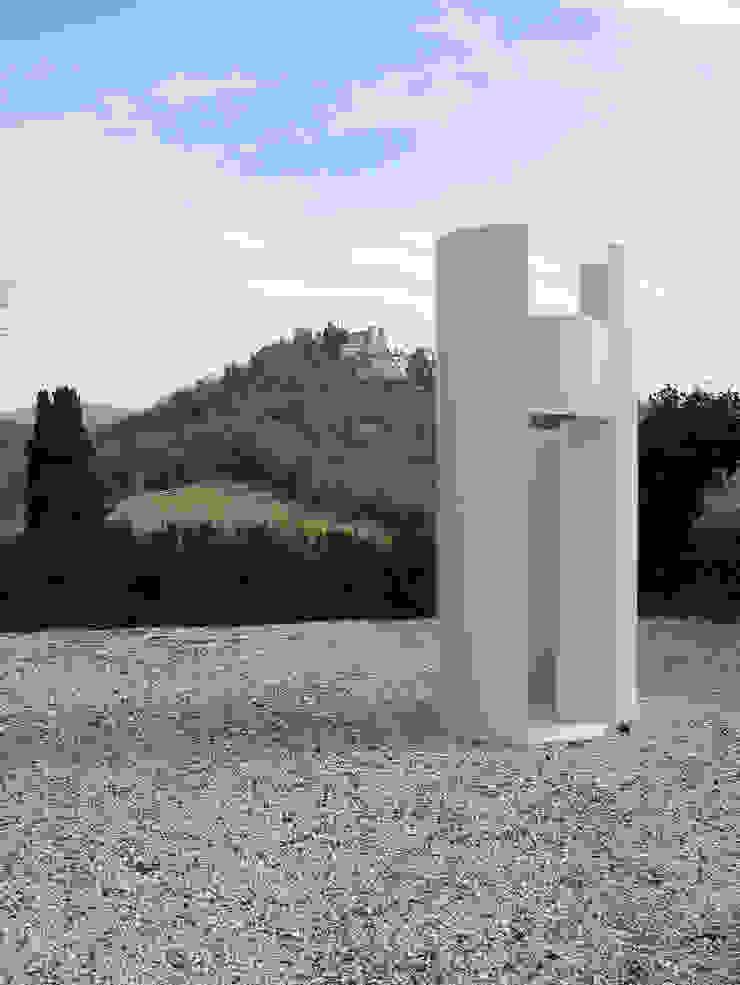 HANG#J Giardino in stile industriale di Margarete (Architetti Anselmi S. e Crucianelli E.) Industrial