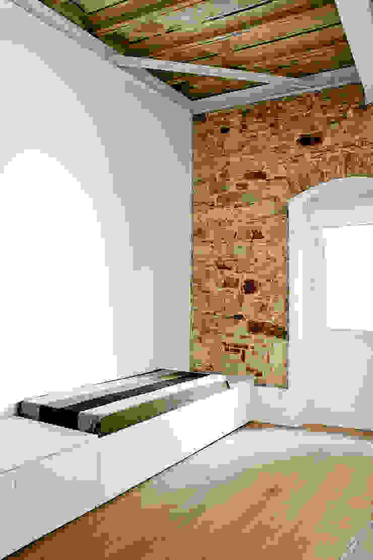 Apartamento en el Born Dormitorios de estilo moderno de fusina 6 Moderno