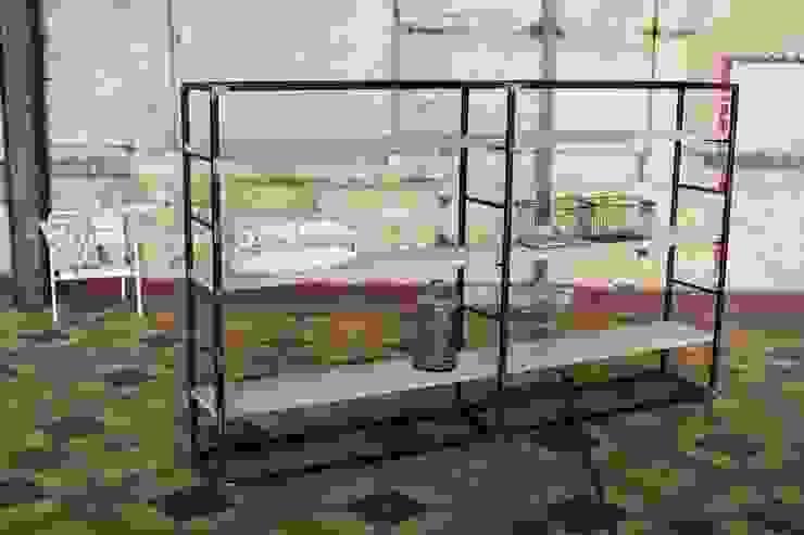 Schrank Stahl/Bauholz: industriell  von PURE Wood Design,Industrial