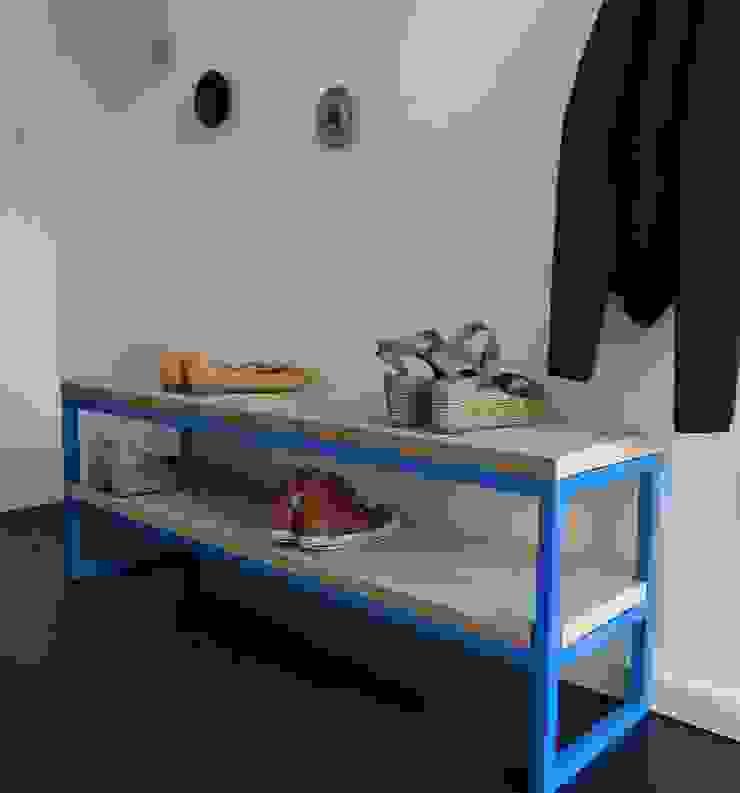 Bank Bauholz mit Stahlrahmen: industriell  von PURE Wood Design,Industrial