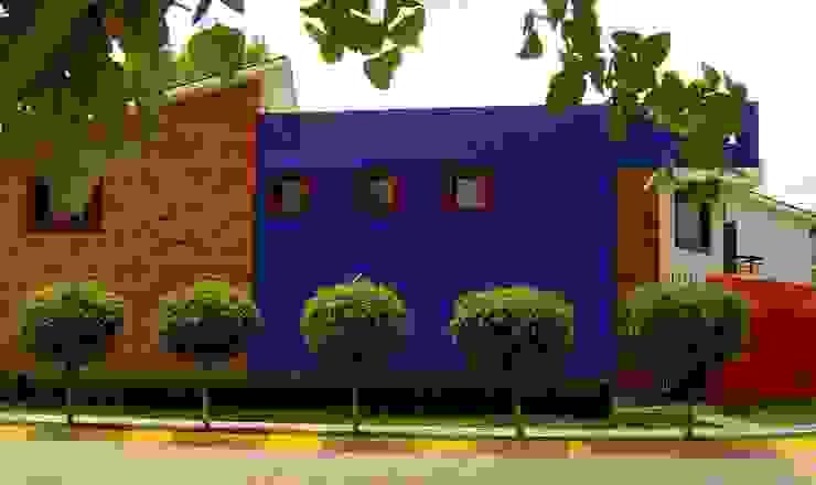 CESAR MONCADA SALAZAR (L2M ARQUITECTOS S DE RL DE CV) Rumah tinggal