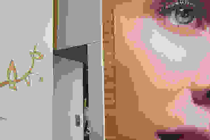Centro de estètica <q>Sonia Rovira</q> Clínicas de estilo asiático de lauraStrada Interiors Asiático