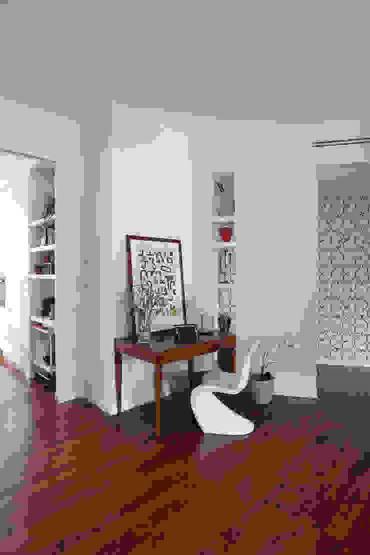 Modern houses by Cristina Meschi Architetto Modern