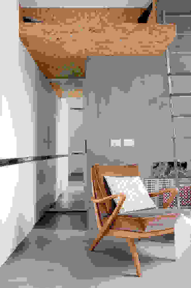 Casas de estilo industrial de Cristina Meschi Architetto Industrial