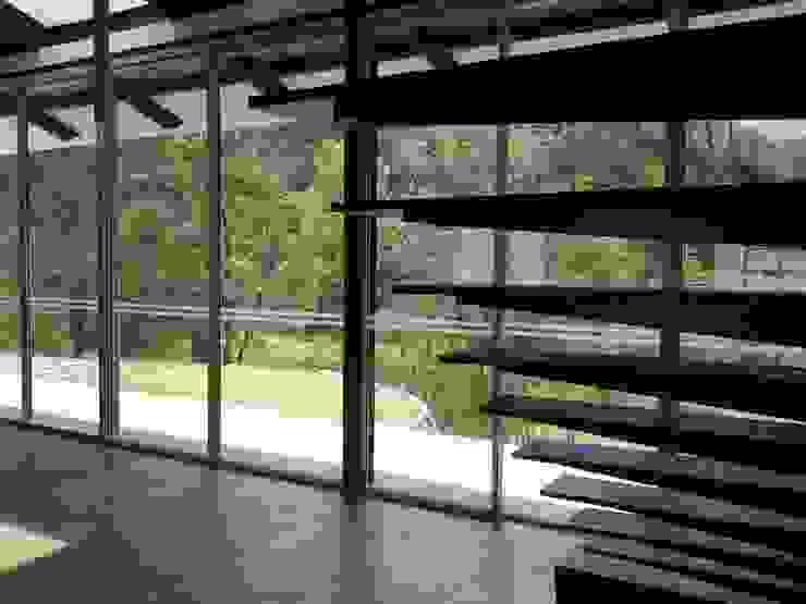 Escalera a tapanco Pasillos, vestíbulos y escaleras rústicos de CESAR MONCADA SALAZAR (L2M ARQUITECTOS S DE RL DE CV) Rústico