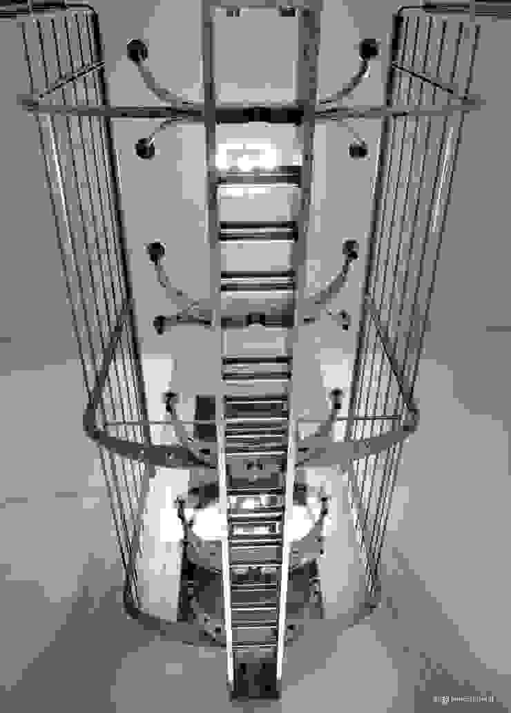 Spina House di Marco Rubini Architetto Moderno