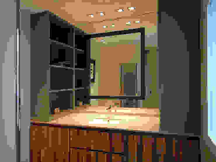 baño principal de Javier Sol Moderno