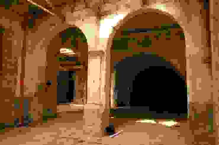 Casa&Putìa Pareti & Pavimenti in stile industriale di MM A   Massimiliano Masellis Architetti Industrial