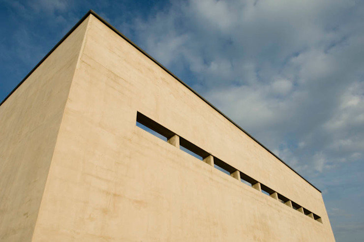 RESIDENZA BIFAMILIARE di studio di architettura DISEGNO Minimalista