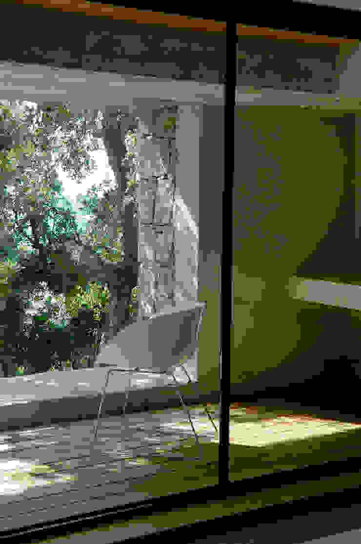 intérieur terrasse de chambre Salon méditerranéen par Vezzoni Associés Méditerranéen