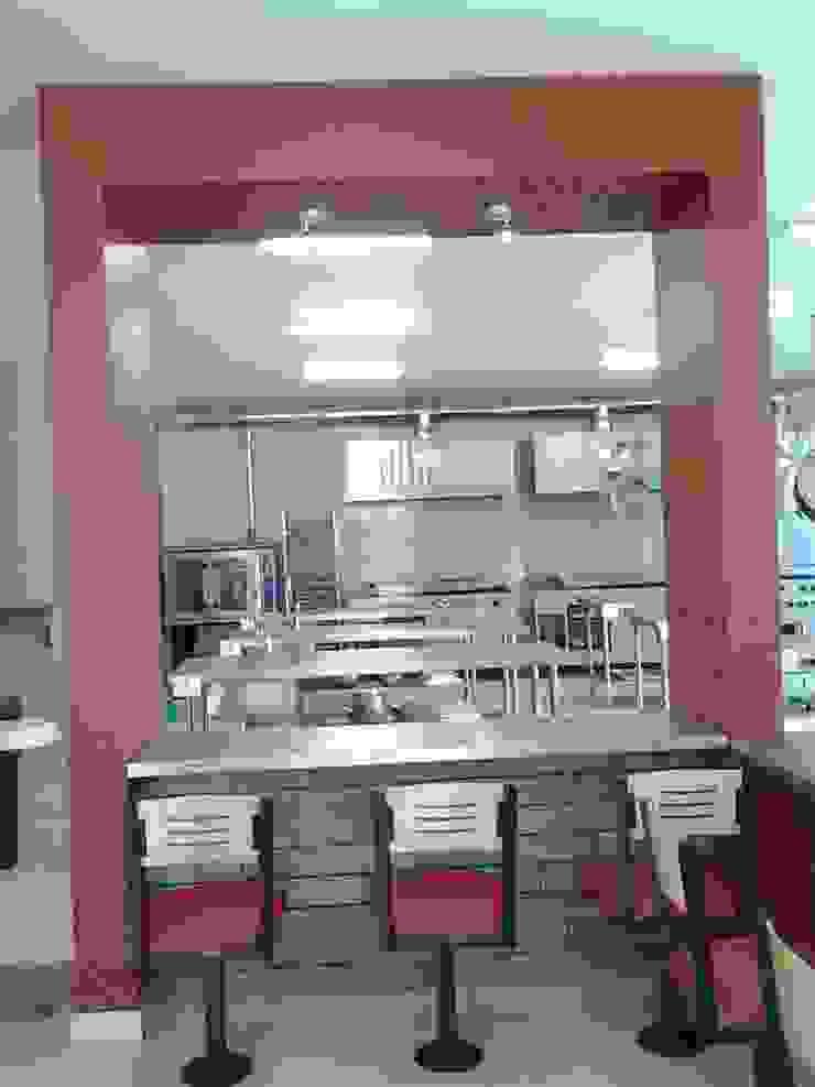 Escuela y restaurante Escuelas de estilo moderno de CESAR MONCADA SALAZAR (L2M ARQUITECTOS S DE RL DE CV) Moderno