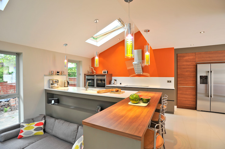 MR & MRS BENNETT'S KITCHEN Moderne Küchen von Diane Berry Kitchens Modern