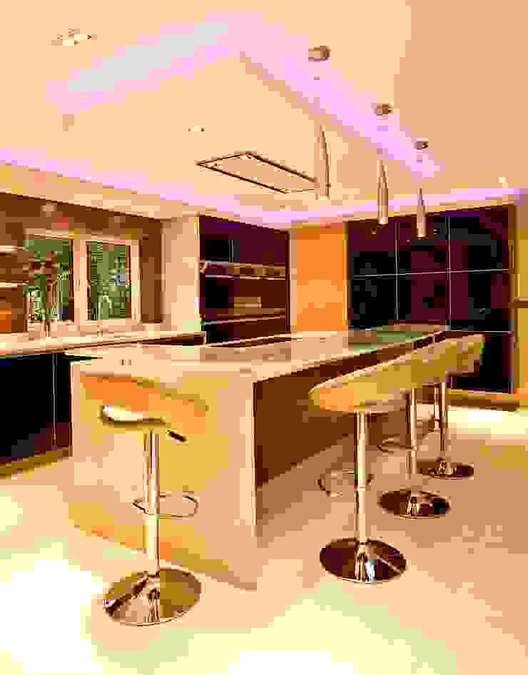 MR & MRS MATHER'S KITCHEN Modern Kitchen by Diane Berry Kitchens Modern